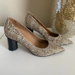 Butter Shoes Eloisee Pointed Toe Pump Size 8B